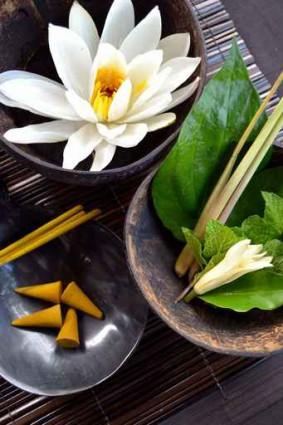 お香とアジアンスパの材料のイメージ